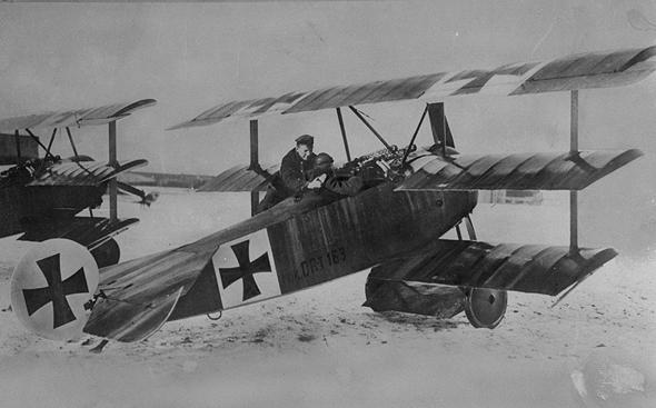 הברון האדום במטוס הפוקר שלו
