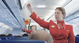 מסיכת חמצן מסיכות חמצן מטוס טיסה חירום, צילום: שאטרסטוק
