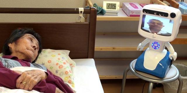 במקום עובד זר: יפן תיתן רובוט סיעודי לרוב הקשישים תוך שנתיים