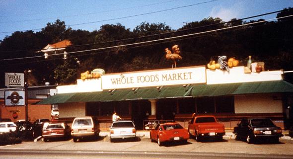 """ייעוד: Whole Foods. """"כשמכולת אורגנית בטקסס נהרסה בשיטפונות ב־1981, הלקוחות סייעו לה כי היה לה מקום גדול בחייהם, והיא נהפכה לרשת ענקית. כשצרכנים רואים שלחברה יש ייעוד זה מושך אותם ומועיל לה"""""""