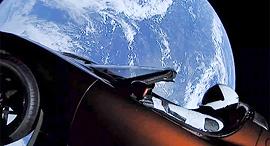 טסלה ספייס X אלון מאסק חלל