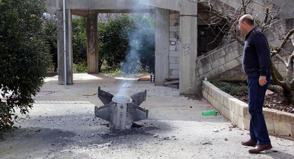 קצה של טיל שנפל בשכונת מגורים בלבנון