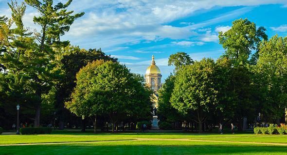 """""""קל יותר להשכיר נכס הסמוך לאוניברסיטה"""". אוניברסיטת נוטרה דאם באינדיאנה"""