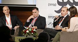 מימין: נטע לי בינשטוק, זיאד עומרי, איציק צאיג, ניצן לביא, צילום: עמית שעל
