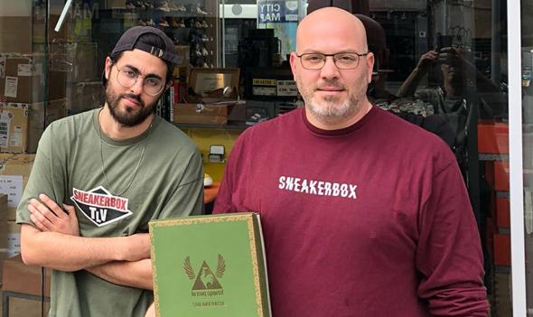 מימין: אוהד להב בעל חנות סניקרבוקס ושגיא מאיה מעצב הסניקרס