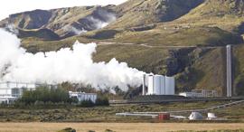 תחנת כוח גיאו תרמית באיסלנד, צילום: בלומברג