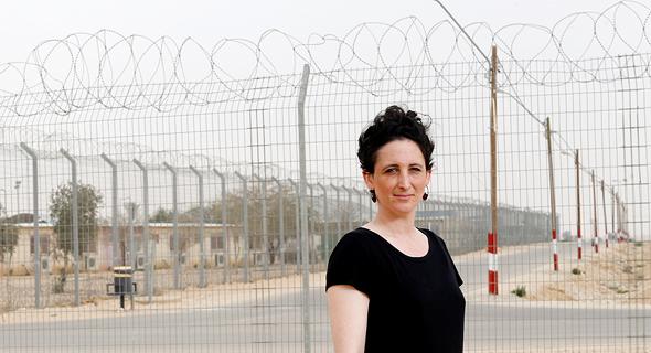 """רביד, השבוע במתקן חולות. """"גרמניה פיזרה מיליון פליטים באופן שמתאים בין כישוריהם למשרות הפנויות ביישובים השונים"""", צילום: עמית שעל"""