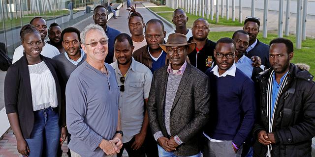 תואר במשפטים ו־MBA: הסטודנטים הפליטים נלחמים דרך האקדמיה
