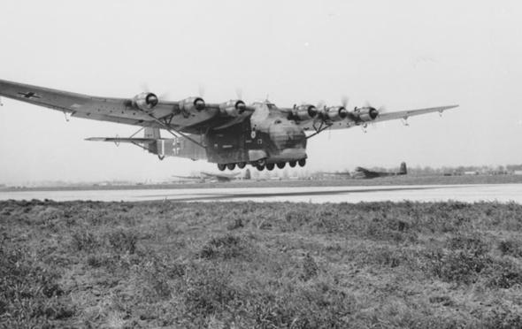 מטוס מטען מסרשמידט 323, צילום: silodrome