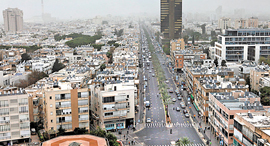 רחוב אבן גבירול , צילום: עמית שעל