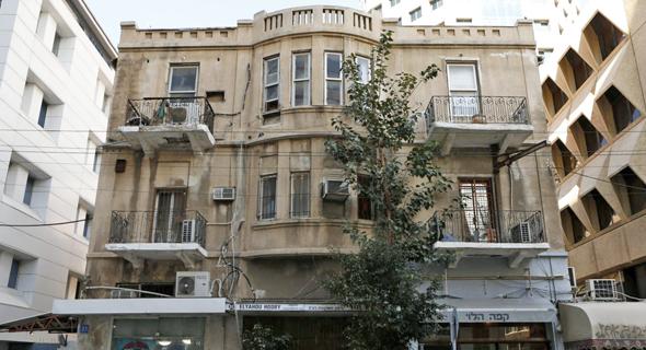 """בית פבזנר ברחוב יהודה הלוי 33 בת""""א"""