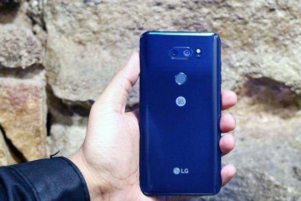 V30 THINQ סמארטפון LG, צילום: Engadget