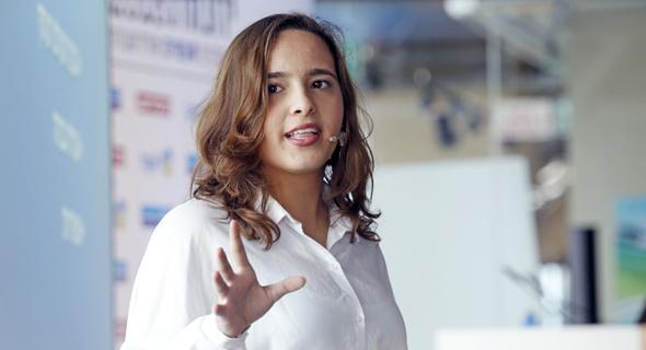 """קרן אור קדוש, מנכ""""לית AIRdrone, תלמידת רשת עמל בצפת, בת 17"""