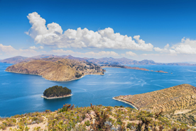 אגם טיטיקקה על גבול פרו-בוליביה, צילום: שאטרסטוק