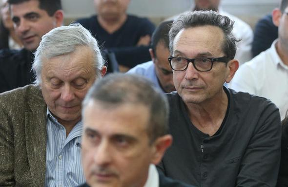 מיכה ויעקב הוניגמן בדיון על הקפאת ההליכים בבית המשפט. הנושים נאלצו למחוק סכומי עתק, צילום: אלעד גרשגורן