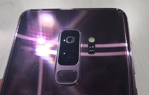 דגם S9 פלוס זכה במצלמה כפולת חיישנים, כמו של הנוט 8 - אך עם כמה טריקים חדשים, צילום: רפאל קאהאן