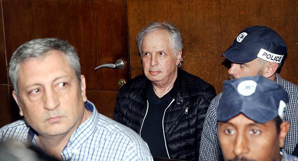הארכת מעצר מימין שאול אלוביץ' ניר חפץ, צילום: יריב כץ