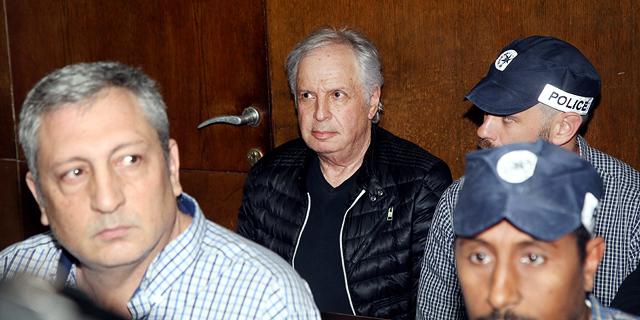 שאול אלוביץ' וניר חפץ נשלחו למעצר בית בן 10 ימים