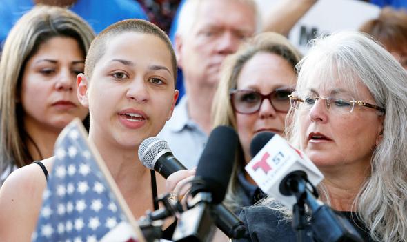 אמה גונזלס, הנערה המזוהה ביותר עם המחאה. מיליון עוקבים בטוויטר, פי שניים מאשר ל־NRA , צילום: איי אף פי