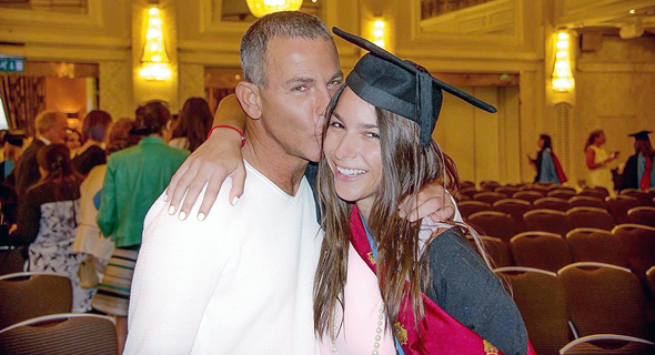 שרון עם אביה מיקי שסטוביץ