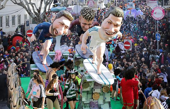 הכנסות הליגה הספרדית והליגה הספרדית השנייה בעונה שעברה עמדו על 3.44 מיליארד יורו, עלייה של 15% מהעונה שלפני. כך לפי DBK. לה ליגה יצרה 3.191 מיליארד יורו והליגה השנייה 249 מיליון יורו.
