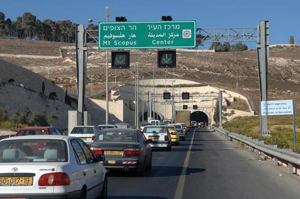 פקק תנועה בכניסה לירושלים