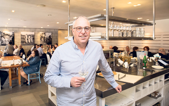 סטיבן לובל, מבעלי מסעדת חדר אוכל