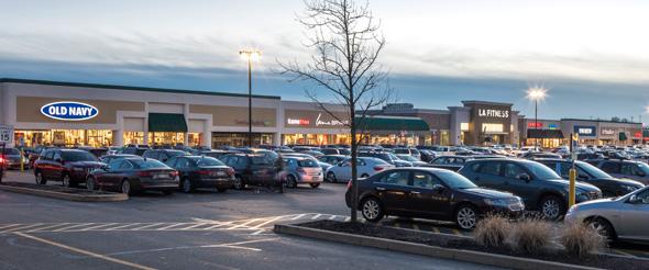 """מרכז קניות בארה""""ב"""