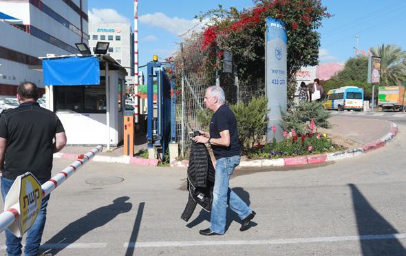 שאול אלוביץ' מגיע לחקירה בלהב 13.3.18, צילום: אביגיל עוזי