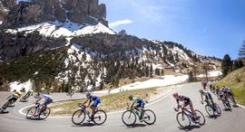 מוסף שבועי 15.3.18 מירוץ הג'ירו ד'איטליה יוזנק בישראל במאי רוכבי אופניים איטליה, צילום: אי.פי.איי