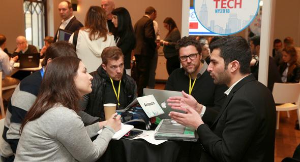 יזמים ישראלים פוגשים את נציגי אמזון בוועידה