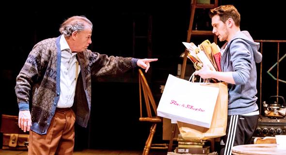 גדי יגיל ועידו רוזנברג על הבמה. כימיה מופלאה בין השחקנים, צילום: כפיר בולוטין