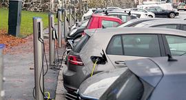 רכב חשמלי מכונית חשמלית מכוניות חשמליות ב נורבגיה, צילום: בלומברג