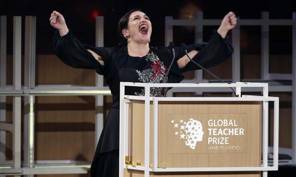 אנדריאה זאפירקו לא מאמינה שזכתה בפרס, צילום: AP