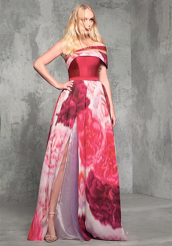 """שמלה של עאבד המיועדת למסיבה שנערכת עבור הכלה כמה ימים לפני החתונה, צילום: יח""""צ"""