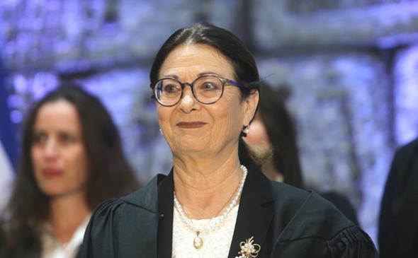נשיאת בית המשפט העליון, אסתר חיות