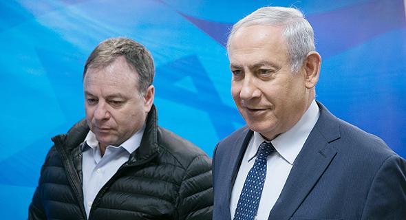 מימין בנימין נתניהו ראש הממשלה יואב הורוביץ ראש לשכת ראש הממשלה, צילום: אוהד צויגנברג