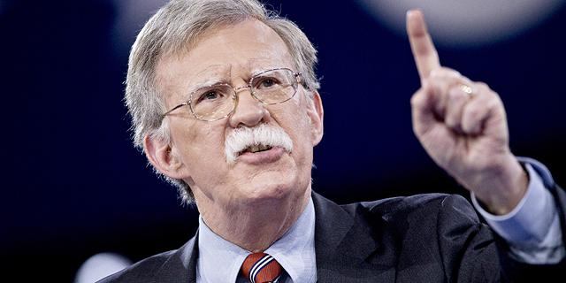 """ג'ון בולטון בישראל: """"הנסיגה מסוריה - לא הזמנה לשימוש בנשק כימי"""""""