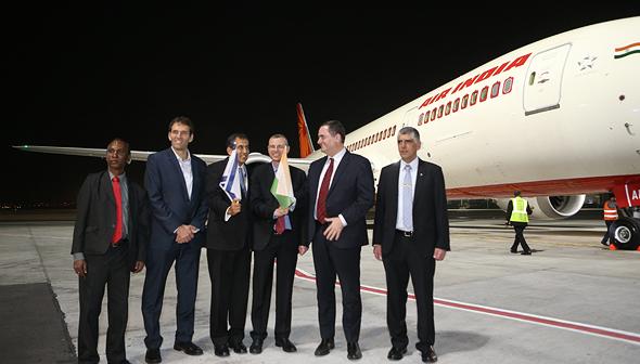 הטיסה הראשונה של אייר אינדיאה שנחתה בישראל