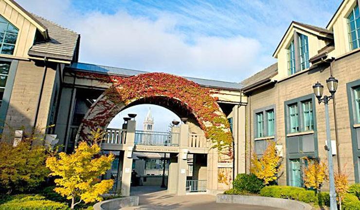 """בי""""ס למינהל עסקים האס באוניברסיטת ברקלי, קליפורניה"""
