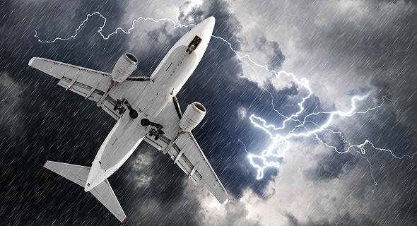 טיסה במזג אוויר קשה? אולי עדיף להמתין לטיסה הבאה