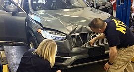 רכב אוטונומי של אובר לאחר התאונה שלקחה את חייה של אשה, צילום: רויטרס
