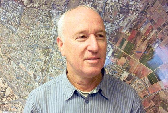 """מהנדס העיר נתניה, אבנר אקרמן: אם עד היום מבקש ההיתר היה צריך להסתובב כמו פורפרה בין רשויות וגופים שונים כדי לקבל את ההיתרים הנדרשים, מכון הבקרה שם לזה סוף. זה 'וואן־סטופ־שופ'"""""""