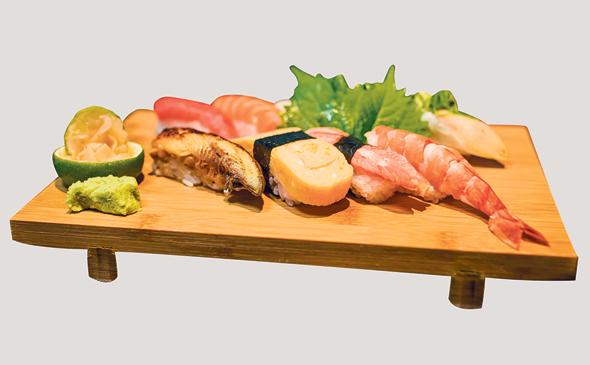 מיקס סושי ניגירי המוגש במסעדות של דוק נגו