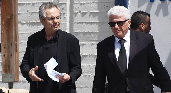 """מימין: עו""""ד ניסים סמו וקובי אלכסנדר משתחרר מהכלא"""