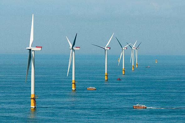 טורבינות רוח מול חופי בריטניה