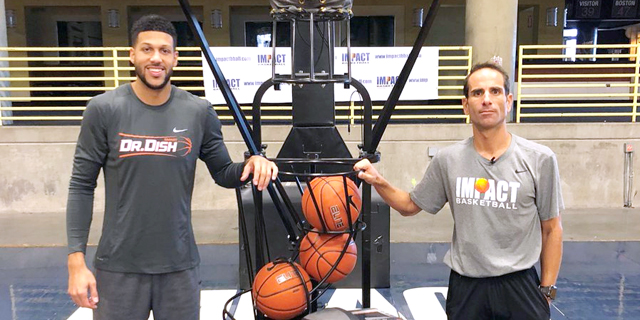 """ג'ו אבונאסר: """"בכדורסל עובדים 24/7, 365 ימים בשנה"""""""