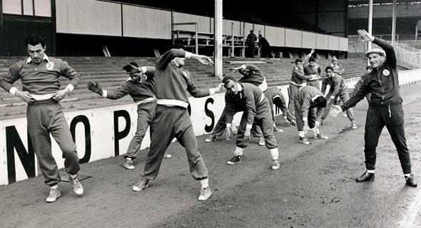 גוטמן מאמן את בנפיקה ליסבון, 1962. ידע להיכנס אל מתחת לעור של שחקניו והפך אותם לאלופי אירופה