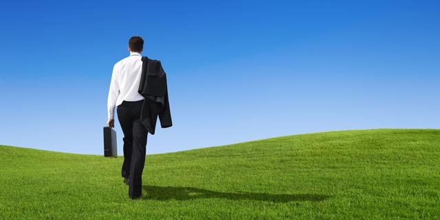 האם מותר לעובד לשעבר להתחרות בחברה בה הועסק?