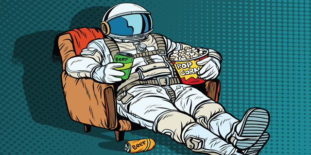 קליק בין כוכבים: 10 דרכים לטייל בגלקסיה בלי לקום מהספה